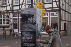 Eschwege/ Auf dem Stad: Aufbau der Würfelsäule ALLTAG in der Fußgängerzone